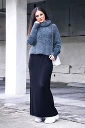 Basic Long Black Maxi Skirt With No Slit