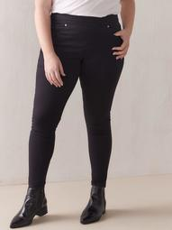 Stretchy Pull-On Black Jegging - Levi's Premium