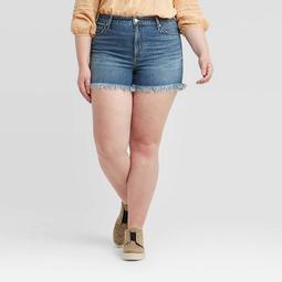 Women's Plus Size Fray Hem Distressed Jean Shorts - Universal Thread™ Light Wash