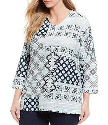 Plus Size Tile Print Textured Knit V-Neck 3/4 Sleeve Swing Shape Top