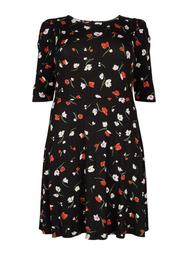 **DP Curve Red Floral Print Dress