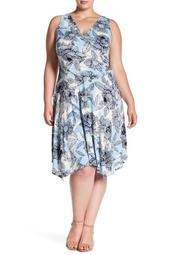 Filigree Bloom Ruched Dress (Plus Size)
