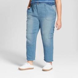 Women's Plus Size Cropped Relaxed Denim Pants - Universal Thread™ Light Wash