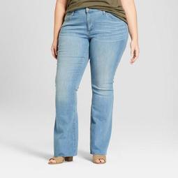 Women's Plus Size Flare Jeans - Universal Thread™ Light Wash