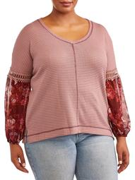 Women's Plus Size Long Sleeve V-Neck with Sleeve Detailing