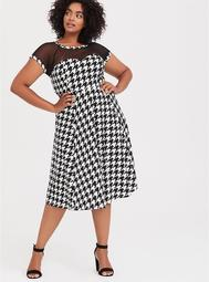 Black & White Houndstooth Bengaline Illusion Swing Dress