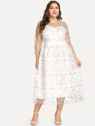 Plus Embroidered Mesh Overlay Sweetheart Neck Dress