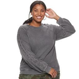Juniors' Plus Size SO® Crochet Sleeve Raglan Tee